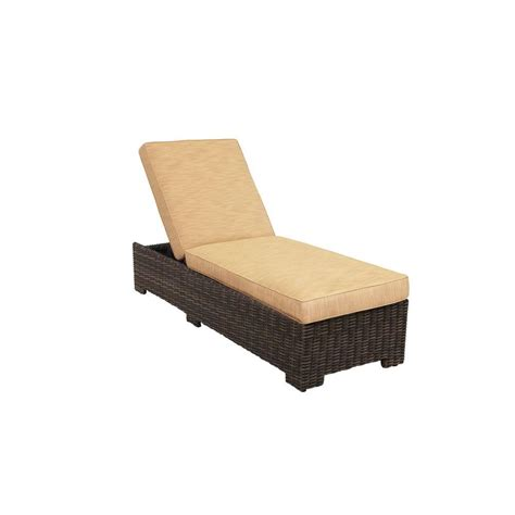 Chaise E 50 Hton Bay Middletown Patio Chaise Lounge With Chili