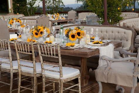 idee deco table ronde mariage d 233 co table mariage 45 compositions florales pour l 233 t 233