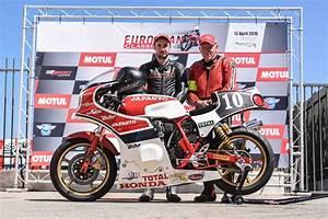 Honda Grande Armée : des japauto en expo et une japauto en piste biker 39 s classics ~ Melissatoandfro.com Idées de Décoration