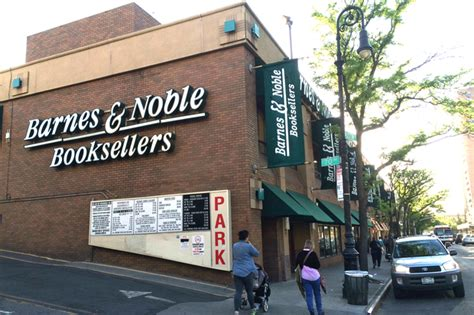 Forest Hills Residents Fight To Keep Their Barnes & Noble