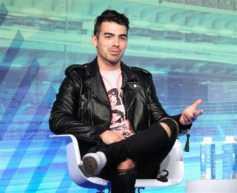 Joe Jonas Gets Really Honest About Jonas Brothers Breakup ...