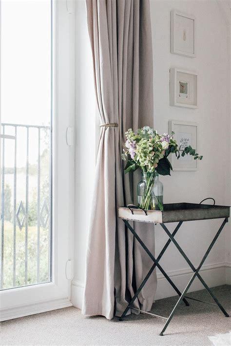 length of drapes best 10 curtain length ideas on curtains