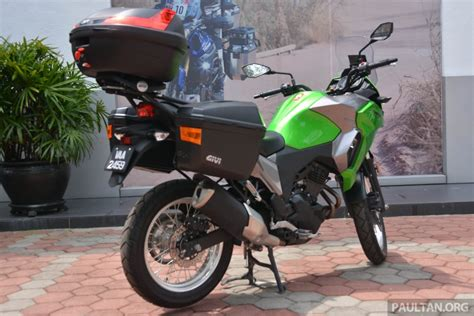 Versys X 250 Image by 2017 Kawasaki Versys X 250 Gets Prototype Givi Boxes Image