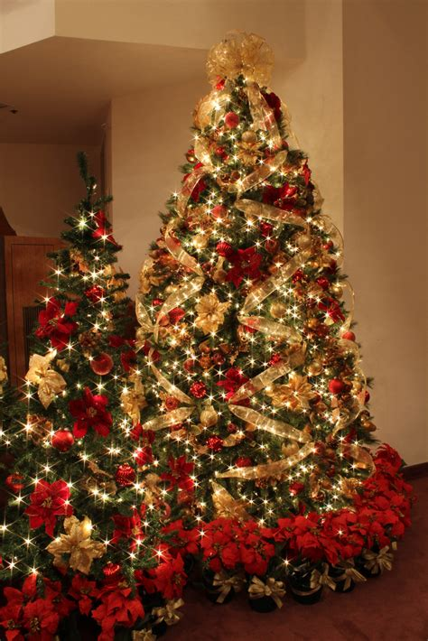 25 red and gold christmas decorations ideas you can t miss