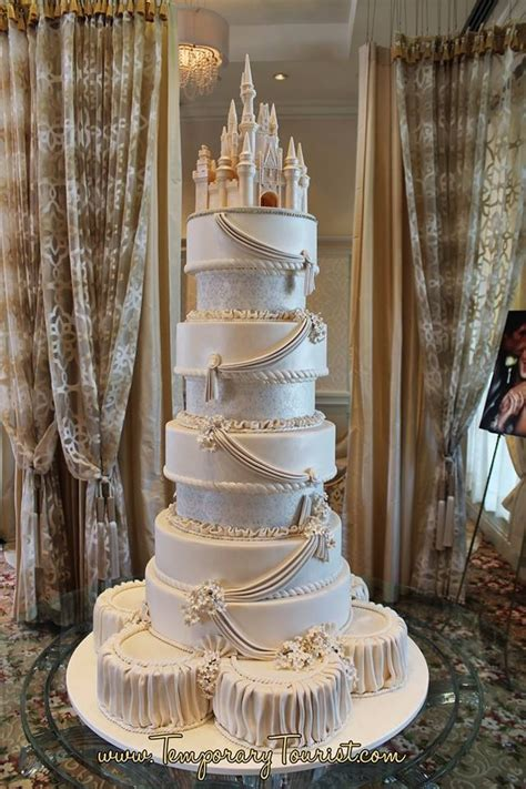 A Disney Cake!   romanceishope