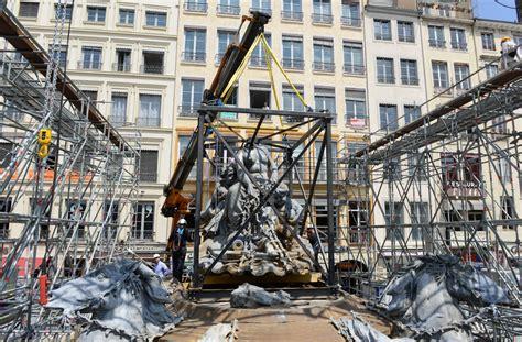 bureau de change lyon hotel de ville 224 l h 244 tel de ville de lyon les chevaux de bartholdi prennent leur envol chantiers