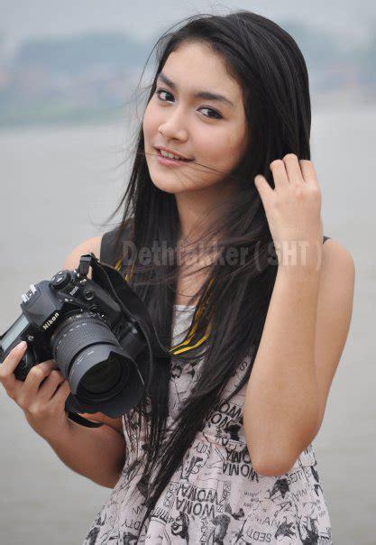 Rambut Panjang Artis Indonesia 1 Rambut Panjang dan