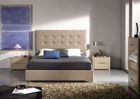 acheter votre lit contemporain en pvc moka capitonne chez