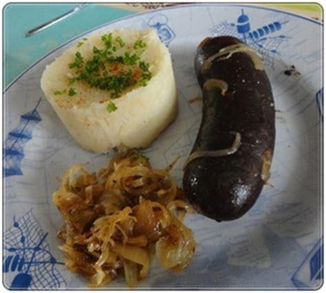 cuisiner le boudin noir boudin noir au four et purée de chou fleur recette iterroir