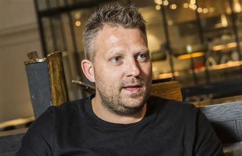 """The dutch chef who partnered with sergio herman to open the jane after working with him at oud sluis for many years told food and wine gazette that he will be working together with a new hotel which is opening its doors. Topchef Nick Bril scoort in nieuwe Gault&Millau: """"Seks, drug... - Gazet van Antwerpen"""