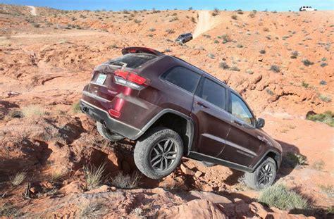 jeep cherokee black 2016 jeep grand cherokee trailhawk confirmed for australia