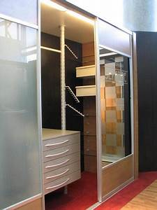 Begehbarer Kleiderschrank Design : kleiner begehbarer kleiderschrank haus ideen ~ Frokenaadalensverden.com Haus und Dekorationen