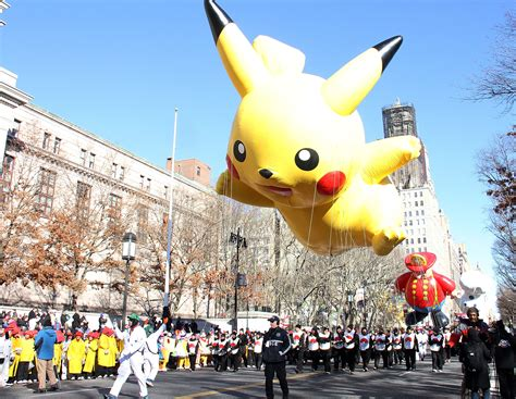 macys thanksgiving day parade heres whos appearing
