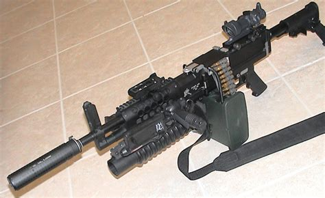 welcome to the world of weapons: Stoner LMG