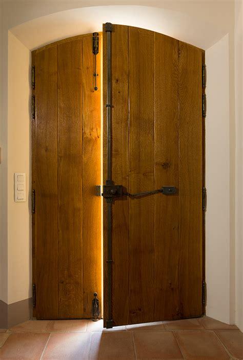 inspirant deco chambre adulte avec volet bois 3 vantaux decoration interieur avec fenetre et