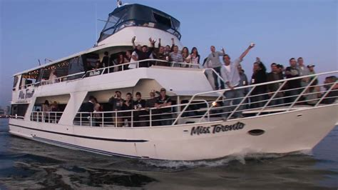 Boat Rental Toronto by Harbor Tour Aboard The Miss Toronto Charter Boat In