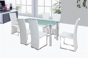 Chaises rona pu et acier chrome noir blanc chaises for Meuble salle À manger avec chaise de salle a manger noir et blanc