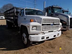 1993 Ford F700 S  A Flatbed Truck  S  N 1fdxk74cxpva26376