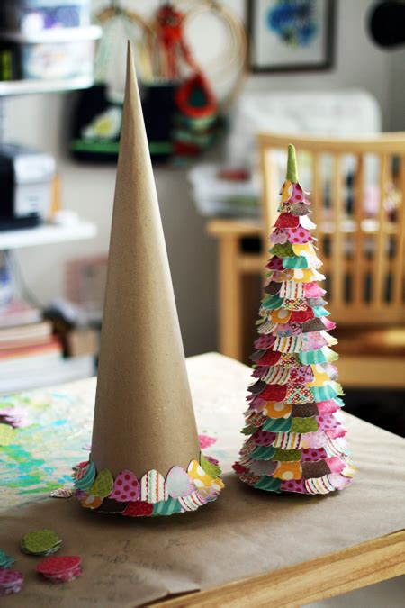 newspaper cone christmas trees by the dozen topiary trees positively splendid crafts sewing recipes and home decor
