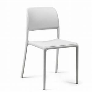 Chaise Exterieur Design : chaise plastique design cafeteria ~ Teatrodelosmanantiales.com Idées de Décoration