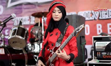 Irta Qasima, Gitaris Dangdut Tercantik Berjilbab Asal