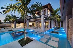 Custom, Dream, Home, In, Florida, With, Elegant, Swimming, Pool