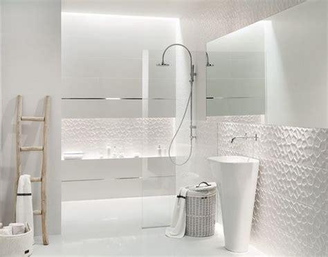 revetement mural plastique cuisine revêtement mural pour salle de bains quelques idées déco