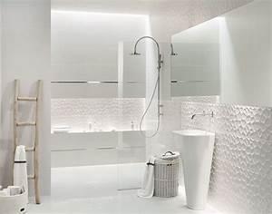 revetement mural pour salle de bains quelques idees deco With revetement mural vinyle salle de bain