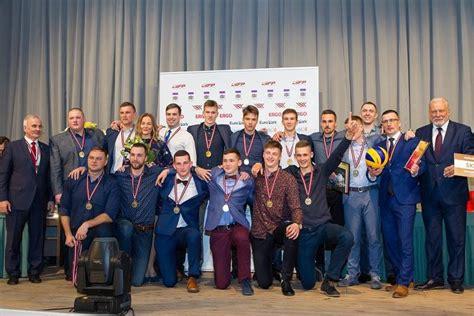 Jelgavas pilī apsveikti volejbola sezonas labākie - Volejbols - Sportacentrs.com