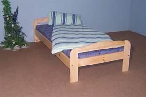 Bett Liegefläche 100x200 : einzelbett bett g stebett futonliege 100x200 massiv natur lackiert kaufen bei saku system ~ Markanthonyermac.com Haus und Dekorationen