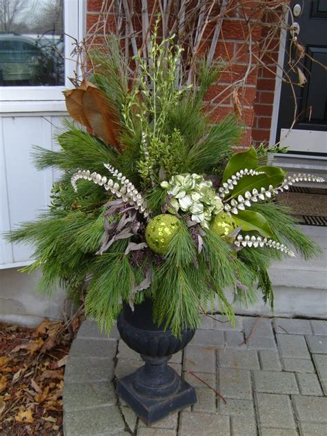 urns decorated  christmas christmas urn images