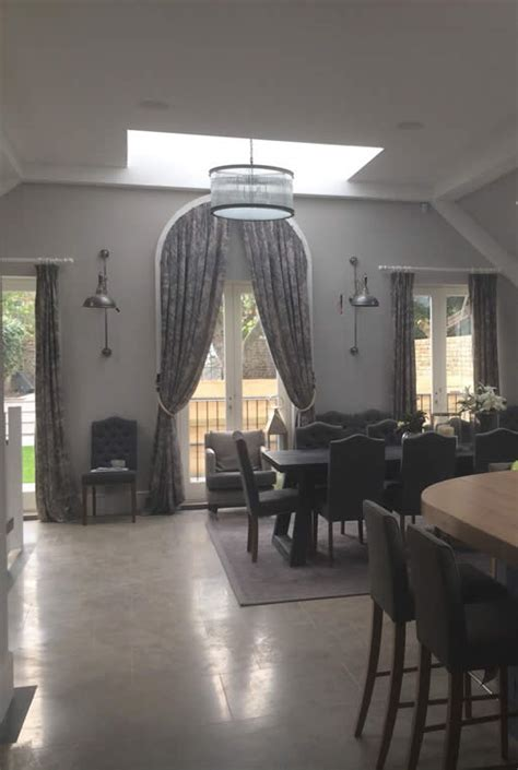 curtain blinds  challenging windows
