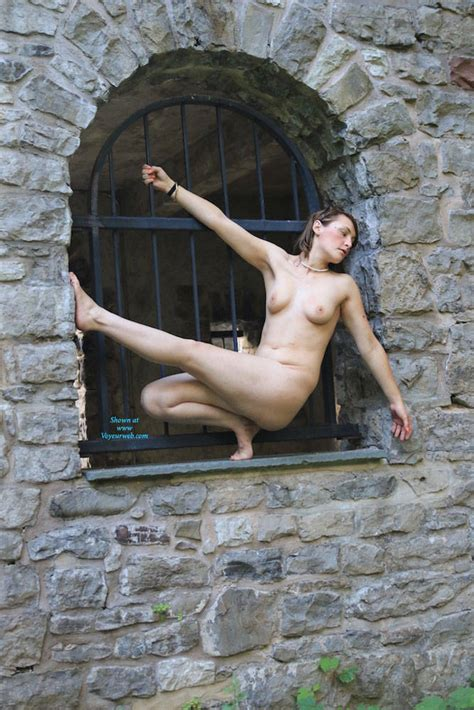 Her Outdoor Naked Photoshoot September Voyeur