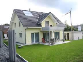 balkon solaranlage einfamilienhäuser