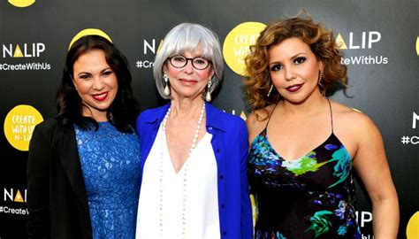 Talking To 'one Day At A Time' Showrunner And 'himym' Vet