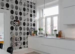 Papiers Peints Cuisine : papier peint motif rond luna zoe crait wallpaper ~ Melissatoandfro.com Idées de Décoration