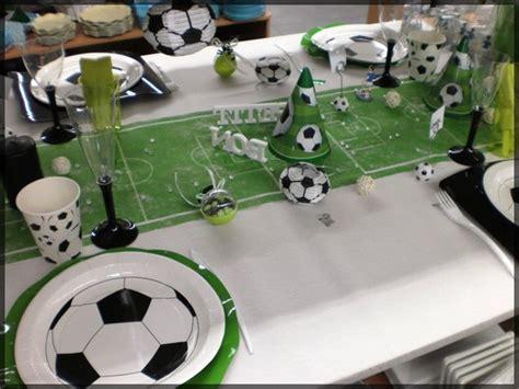 idee deco communion garcon une table d anniversaire sp 233 ciale football sympa pour un