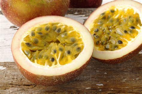 Marakuja - tropikalny owoc idealny na upały - WP Kuchnia