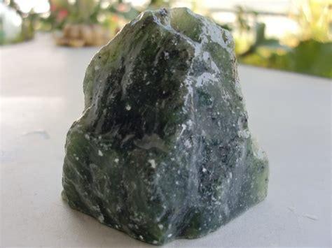 Batu Akik Giok Serpentine jual batu bongkahan serpentine giok aceh seperti
