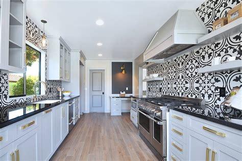 papiers peints pour cuisine cuisine papier peint pour cuisine fonctionnalies rustique