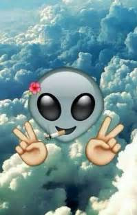 Emoji Alien Backround