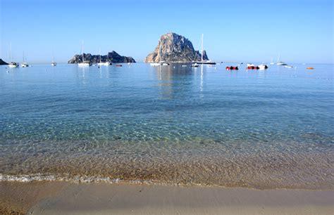 tente de cuisine 10 magnifiques plages d 39 ibiza blanc et eau turquoise