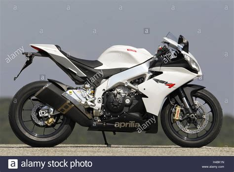 Motorcycle, 1000cc, Aprilia Rsv 4, Side Standard Right