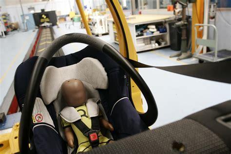 nouvelle norme siege auto nouvelle réglementation i size des sièges auto enfin