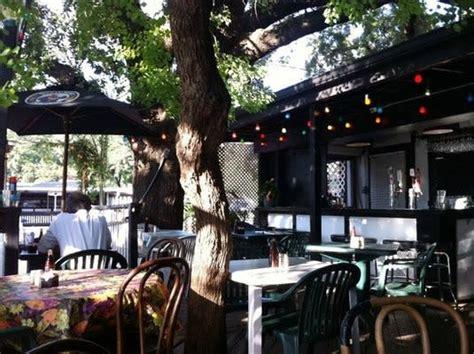 hobbit cafe restaurants  houston tx
