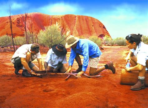ayers rock  called uluru world famous attraction