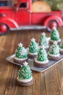 easy food recipes how to make chocolate covered strawberry christmas trees