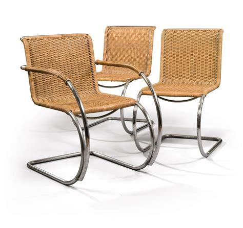 chaises tressées ludwig mies der rohe 1886 1969 paire de chaises