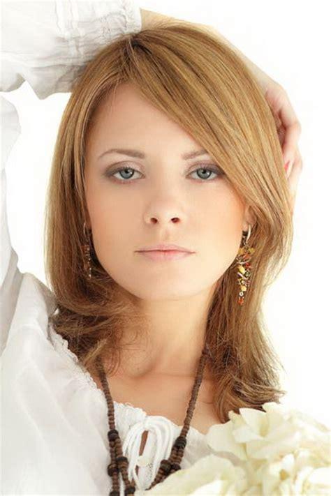 haircuts for medium length thick hair