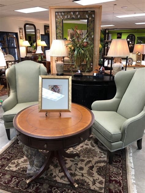 Sofas Louisville Ky by Quality Consignment Furniture And Home Decor Eyedia Shop